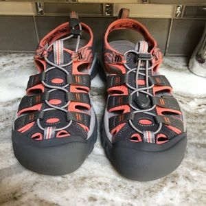 KEEN WATERPROOF SANDALS GRAY&CORAL NEW SIZE 8